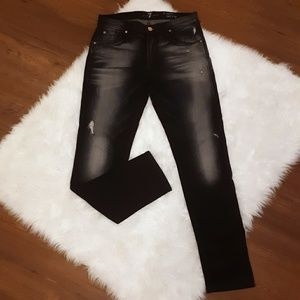 EUC 7FAM Size 28 The Relaxed Skinny Black Jeans